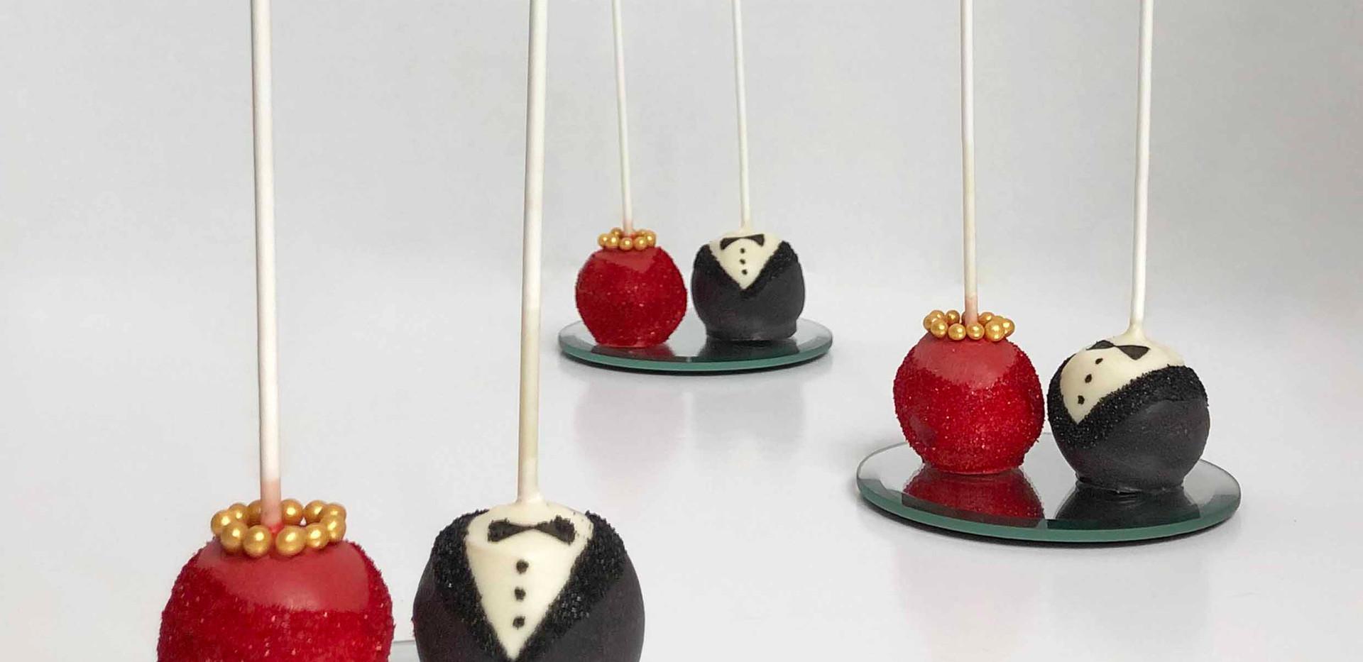 Desi Bride & Groom Pops Image 1 with Log