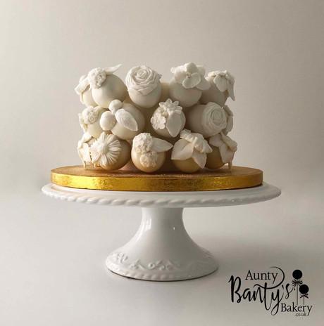 White Floral Celeb Cake Image 1 with Log