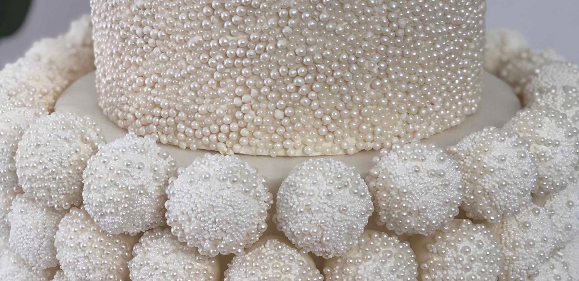 Pearl Drip Wedding Cake Image 5 with Log