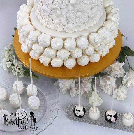 Floral Wedding Cake Image 11 with Logo L
