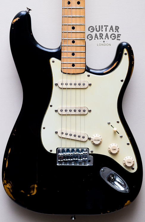 Fender Stratocaster - USA - Black - Maple neck (1976/1974)