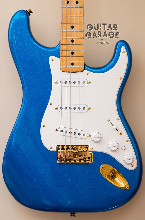 Fender Stratocaster - The Strat - USA - Sapphire Blue Sparkle (1982)