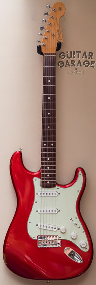 2004 Fender USA American Vintage 62 Stratocaster Candy Apple Red