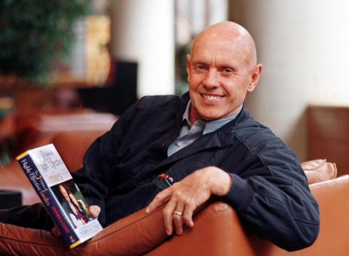 7-Habits-author-Stephen-Covey-dies-at-79-EO1SD9V0-x-large.jpg