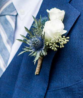 WinterludeElopement_boutonniere.png