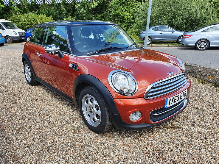 2013 MINI Hatch 1.6 Cooper (Sport Chili) 3dr *SOLD*