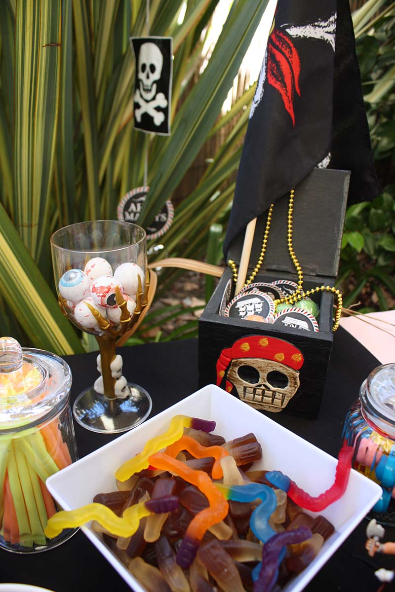 Pirates Lolly Bar