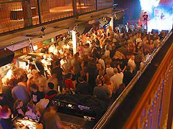 bm_jul_2003_crowd