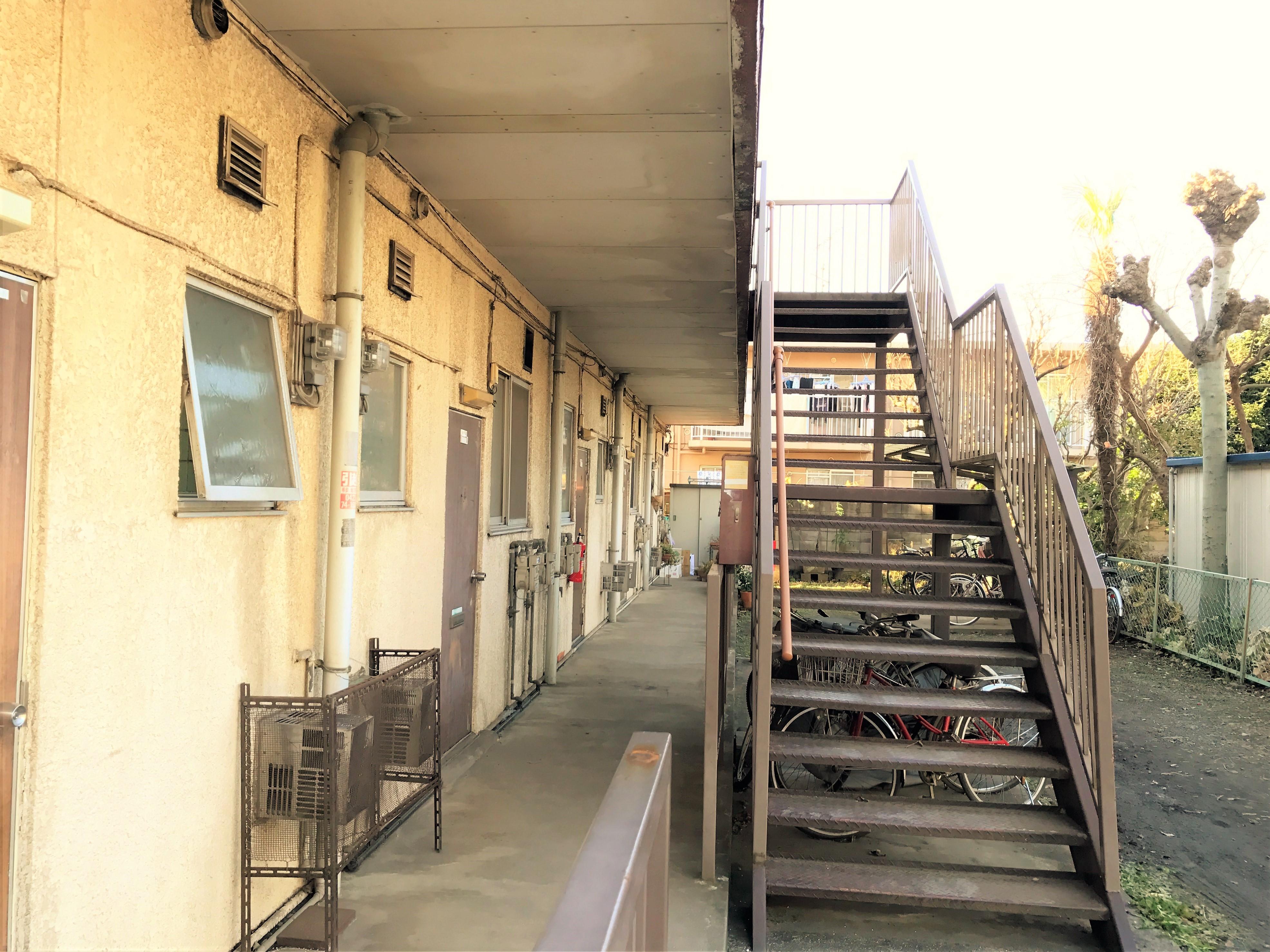 アパート共用部分 階段