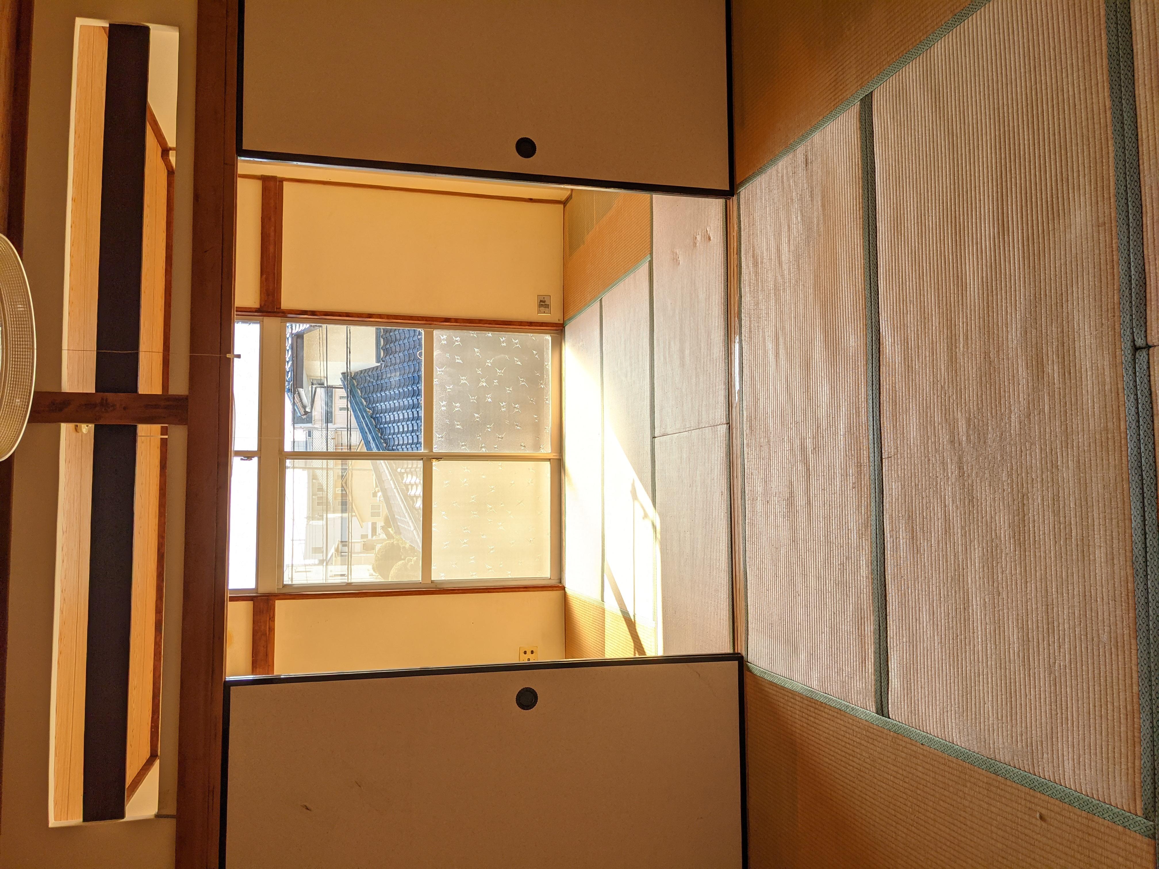 アパート202号室(ほぼ空部屋)