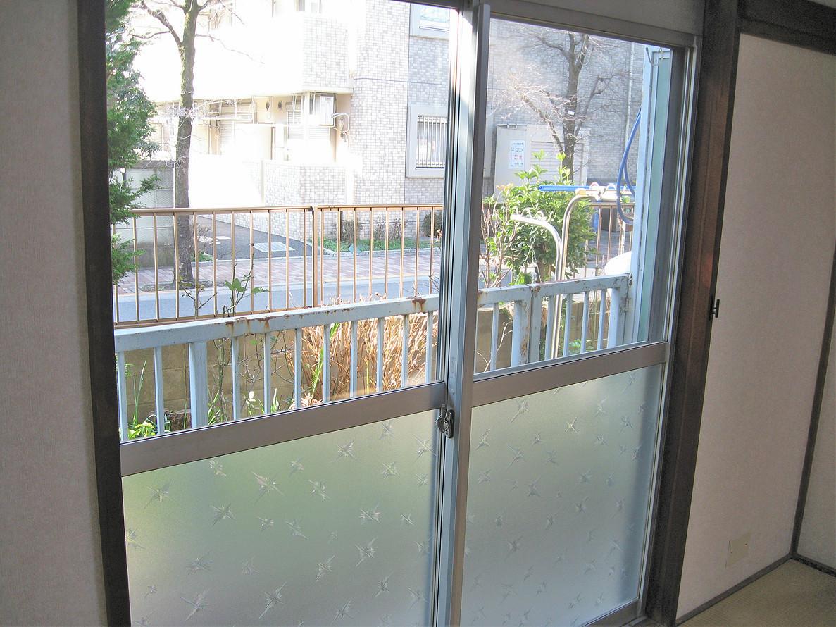 アパート104号室(ほぼ空部屋)ベランダ