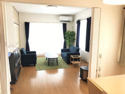 一軒家 2階 リビングルーム、男性部屋