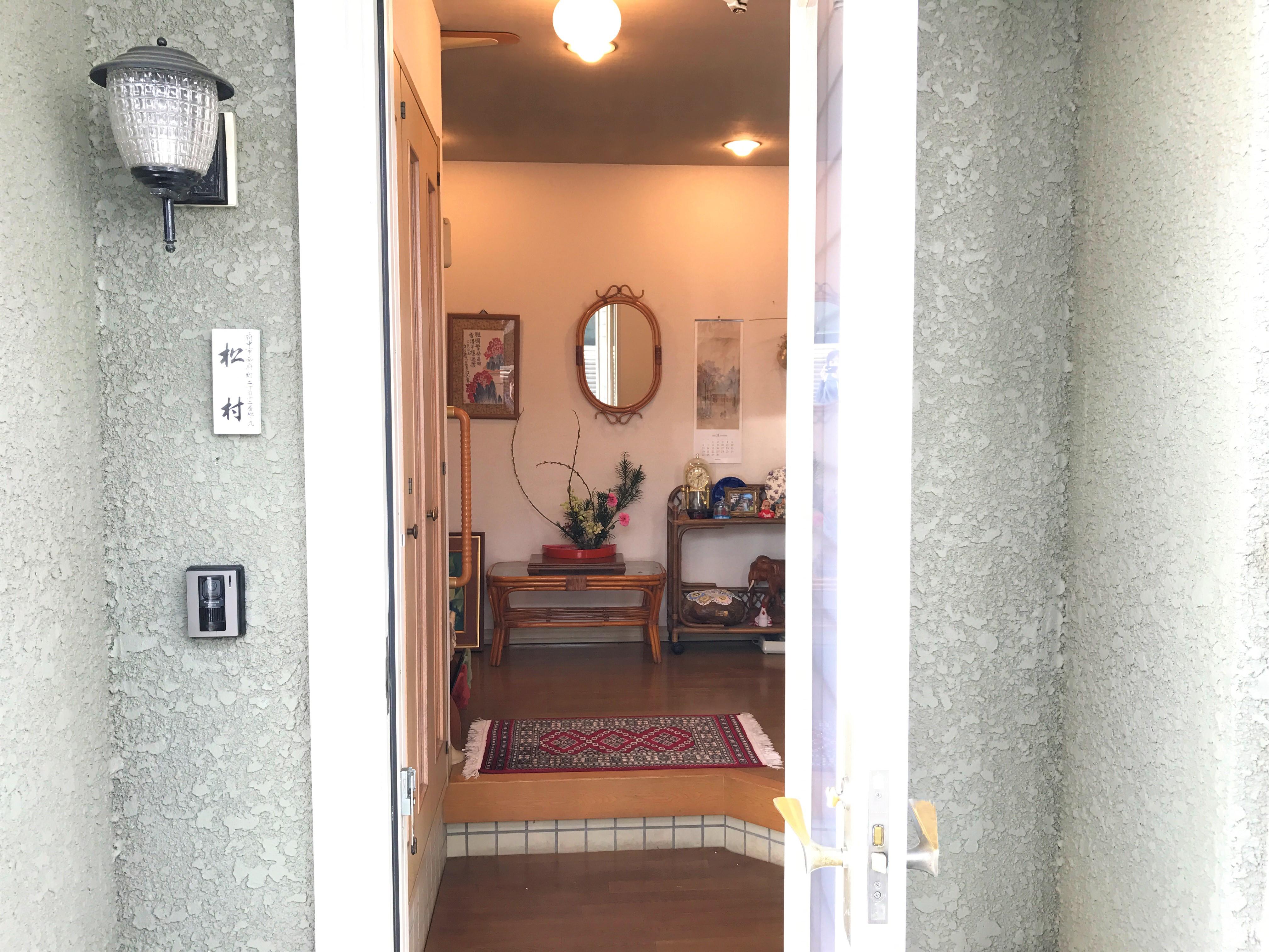 一軒家 玄関