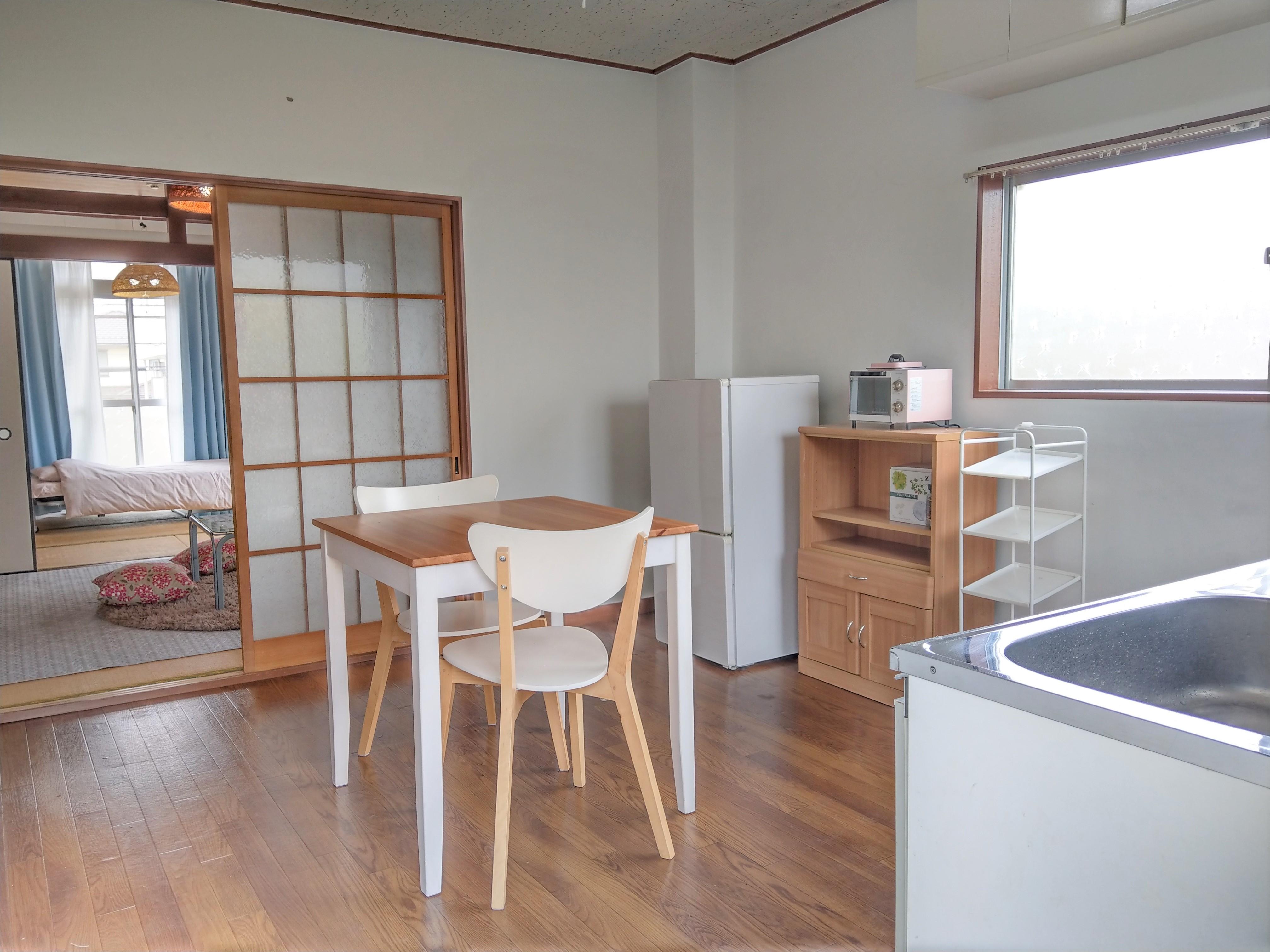 アパート205号室(女性部屋)キッチン