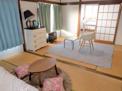 アパート205号室(女性部屋)和室