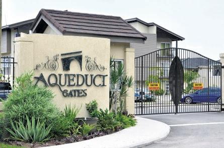Aqueduct-Gates-2