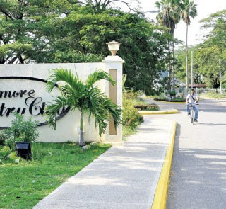 Portmore-Country-Club