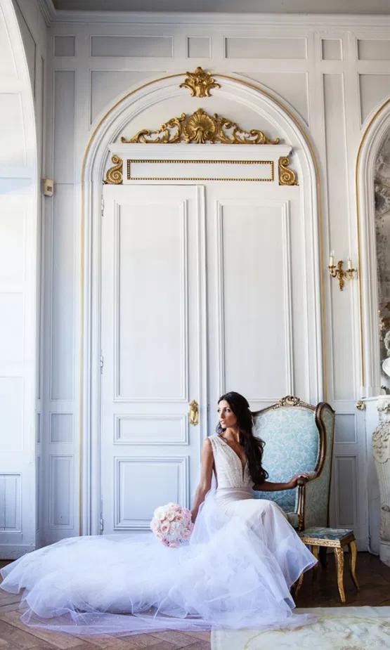 Bride in a chair at chatea la durantie