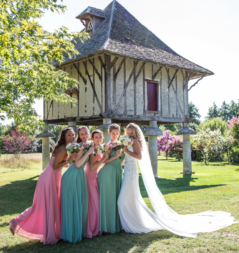 a wedding photographer in south west france