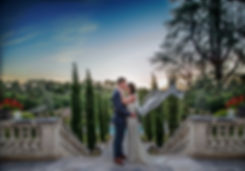 wedding couple kissing  in dordgne south west france photographer