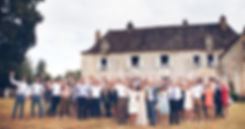 big group photo at a wedding at Leotardie Dordogne