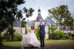glamorous wedding photograph at chateau Mas de Montet