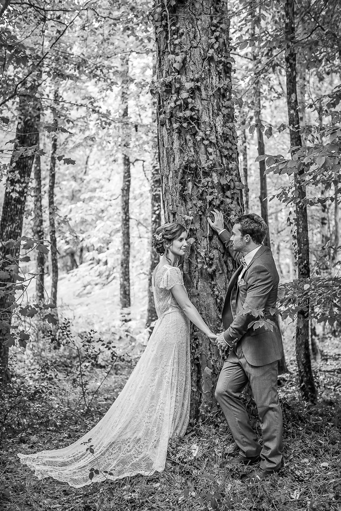 bride and groom in a relaxed fun photograph
