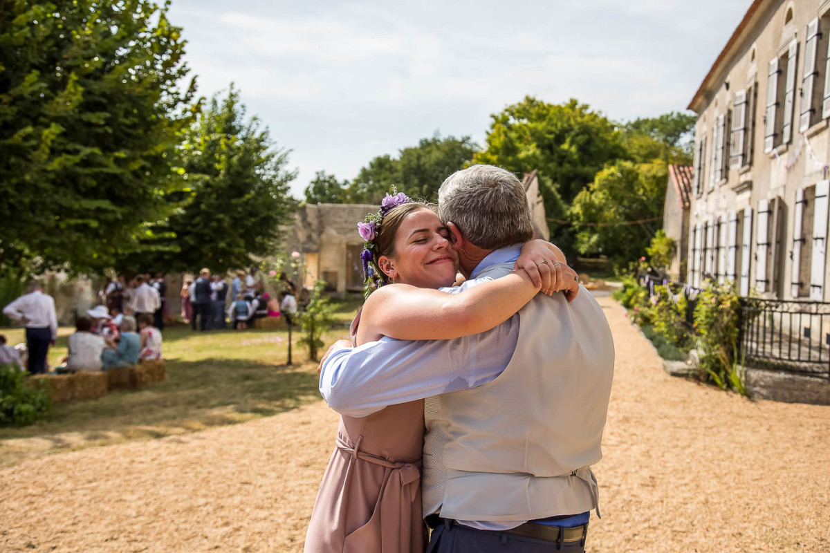 wedding guests by photographer dordogne