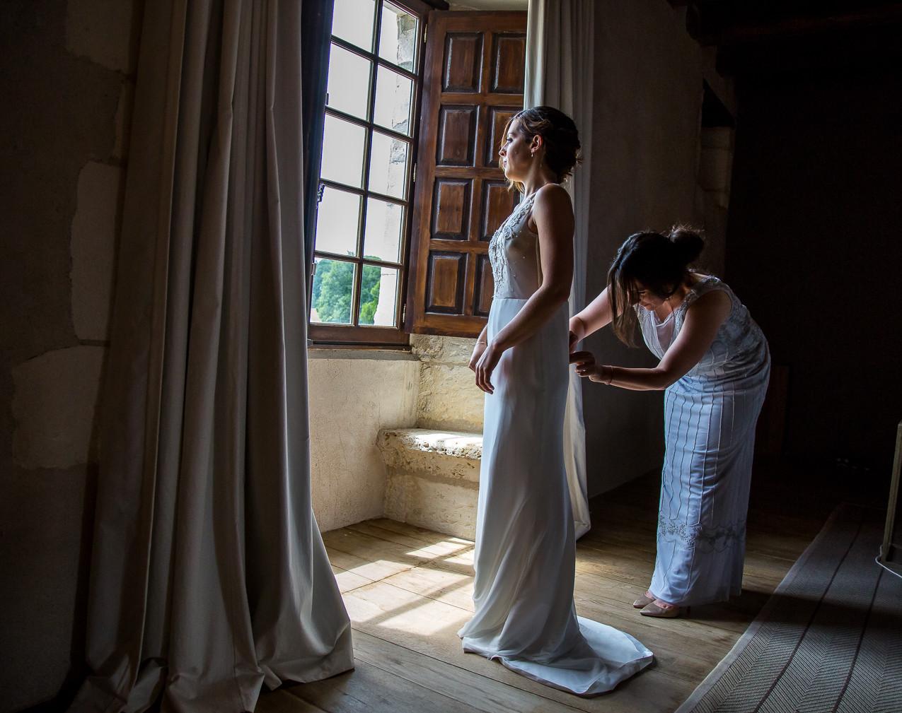 Bride at Chateau de Lerse