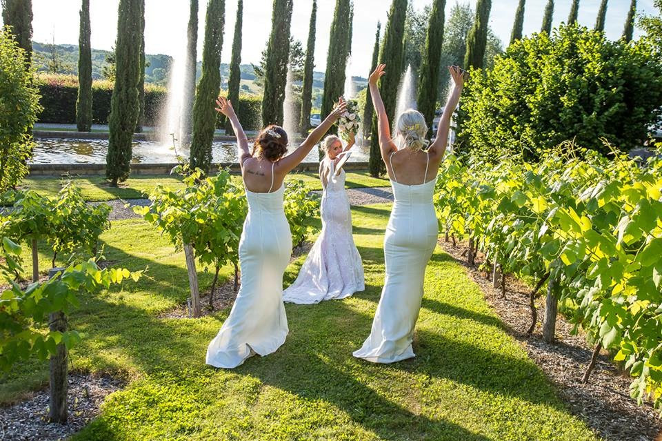 bridesmaids walking at essendrias south west france