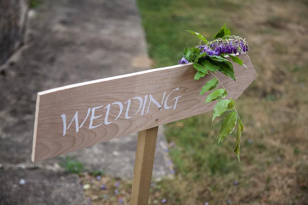 wedding wood sign in dordogne France