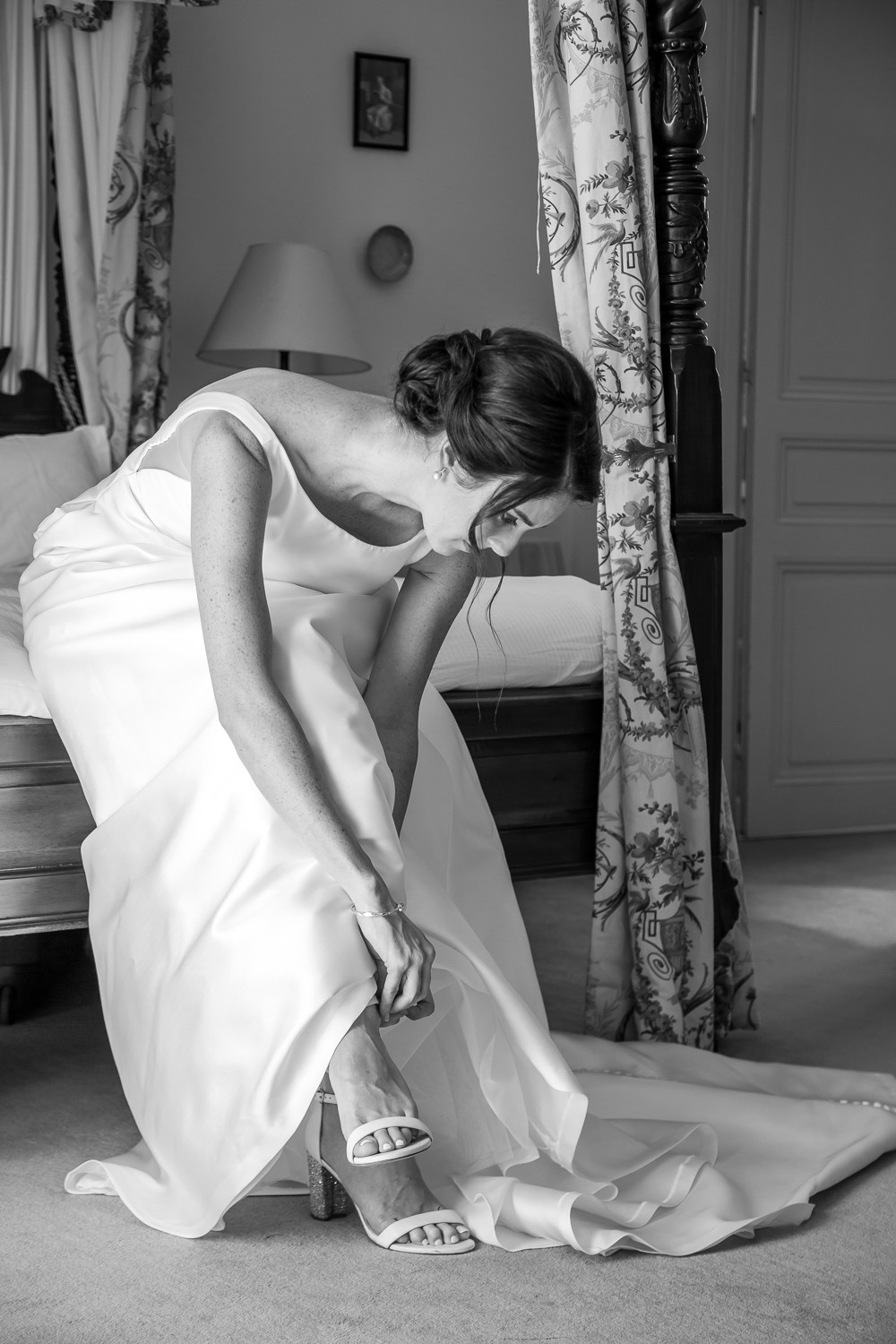 bride getting ready at mas de montet taken by south west wedding photographer