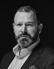 Sascha Becker-headshot-spring-2019-min.j