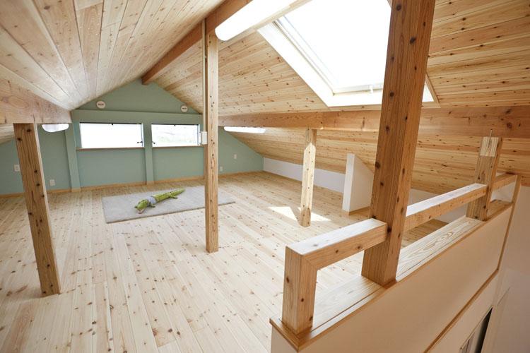 自然素材+ゼロエネルギーの家