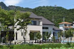 景観を重視し、機能性を駆使したいつまでも美しく暮らせる家。