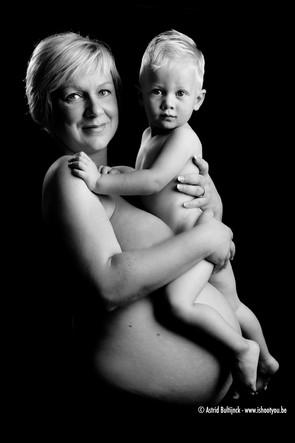 Zwangerschapsfoto in studio