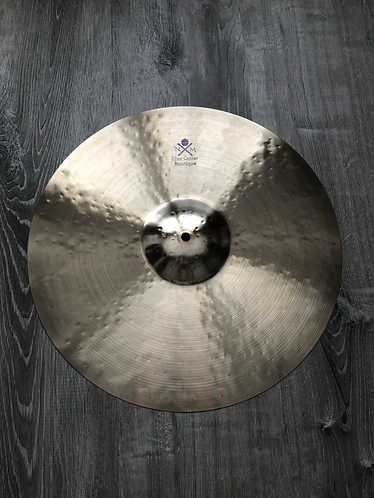 "18"" Blue Collar Boutique Crash"