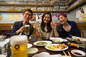eating-japanese-izakaya.jpg
