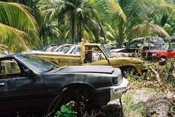 A pile of scrap cars on xxx.JPG