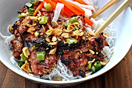 BBQ chicken vermicelli bowl menu #299. Flavourful, freshly made with quality ingredients.