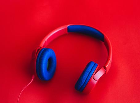 5 podcasts para alunos iniciantes de inglês