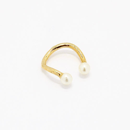 Wavy Pearl Ear Cuff