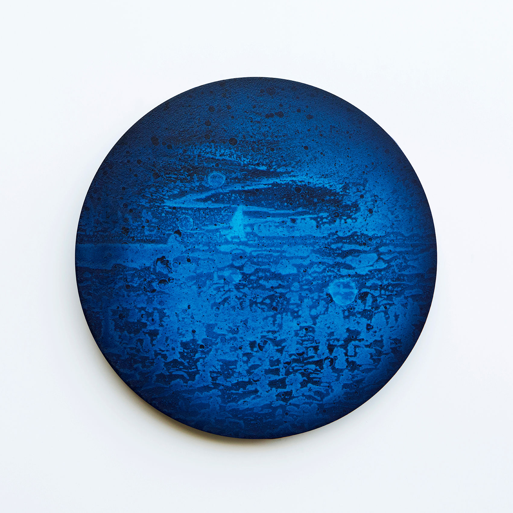 WATERSCAPE_내 안의 바깥 41, Diameter 40cm, Traditional pigment, water-print, water-drawing on canvas, 2018