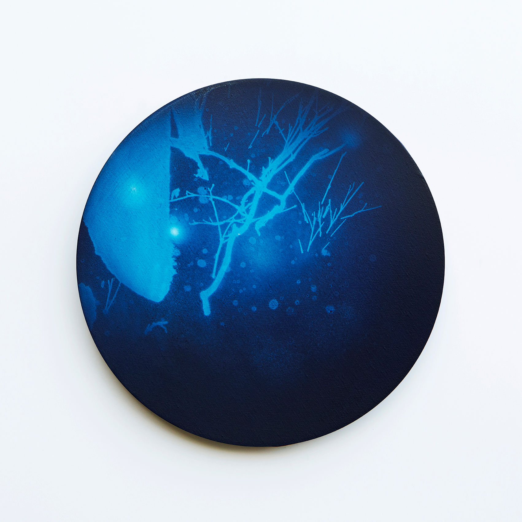 WATERSCAPE_내 안의 바깥 40, Diameter 40cm, Traditional pigment, water-print, water-drawing on canvas, 2018