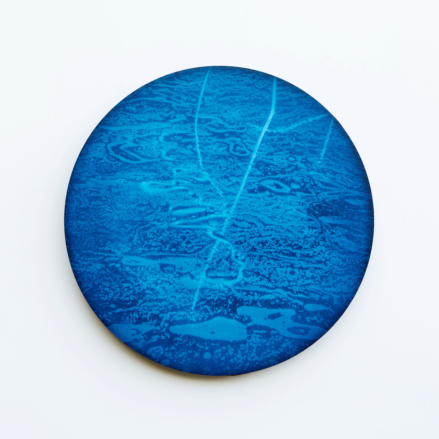 WATERSCAPE_내 안의 바깥 12, Diameter 40cm, Traditional pigment, water-print, water-drawing on canvas, 2018