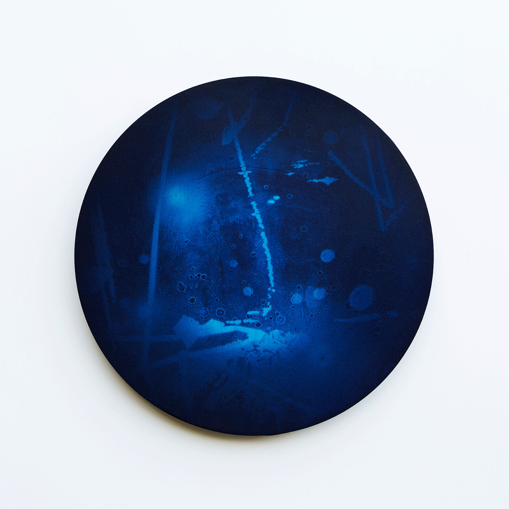 WATERSCAPE_내 안의 바깥 47, Diameter 40cm, Traditional pigment, water-print, water-drawing on canvas, 2018