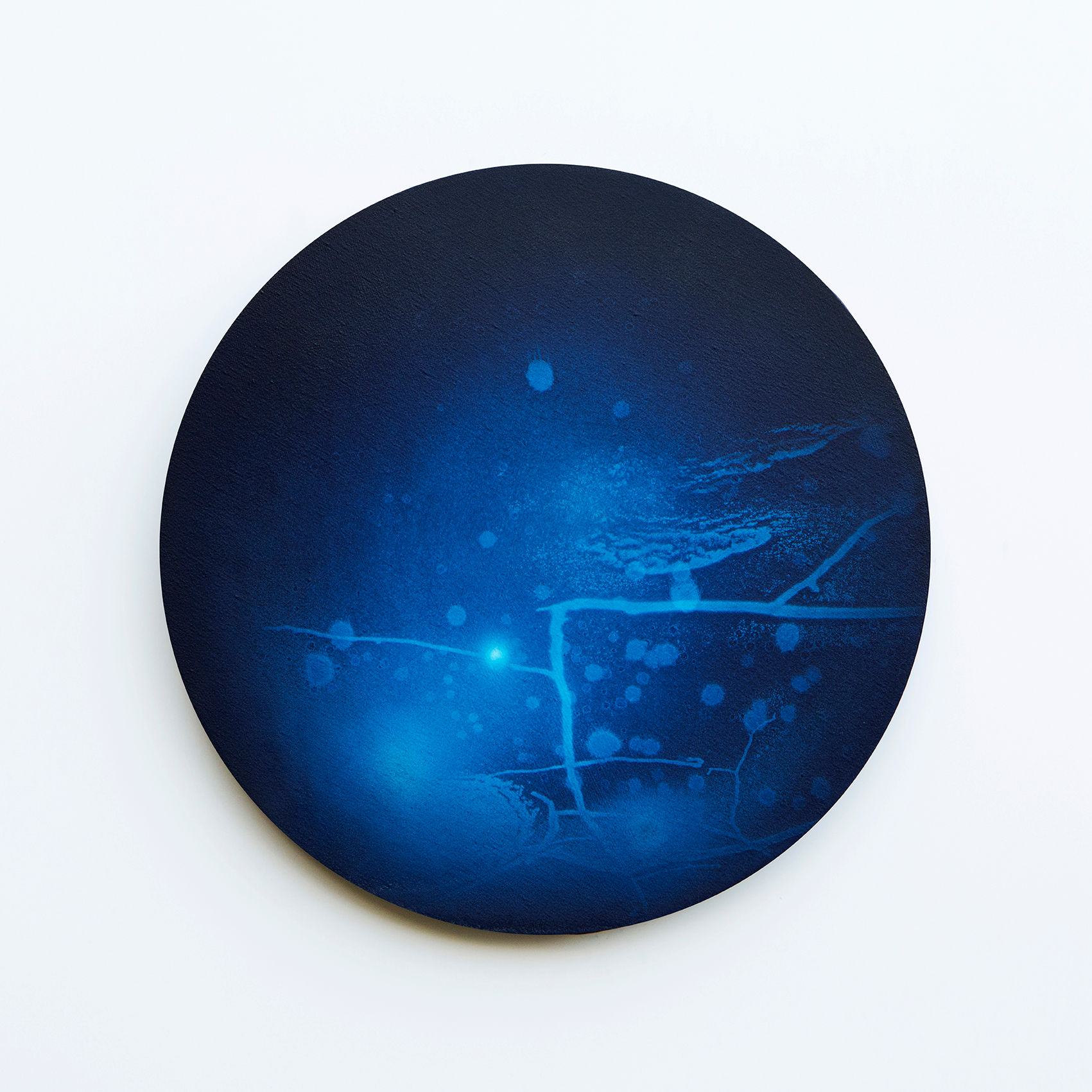 WATERSCAPE_내 안의 바깥 37, Diameter 40cm, Traditional pigment, water-print, water-drawing on canvas, 2018