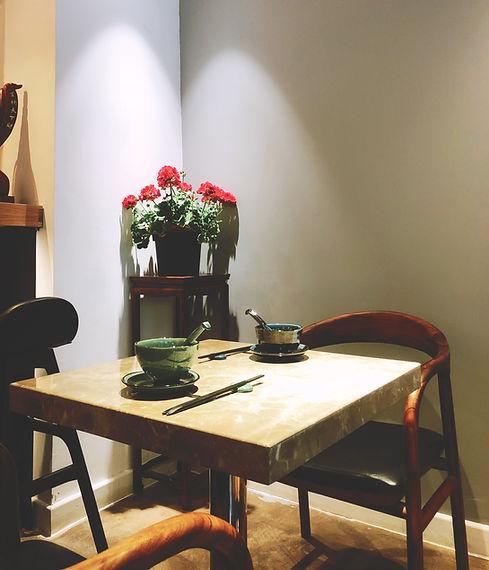 两人桌.jpeg