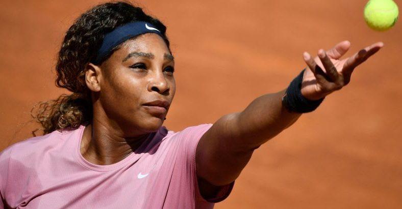 Serena Williams avoids third set and advances to the next round