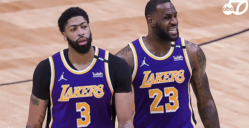 Lakers' Lackluster defense cost them Game 1 against the Phoenix Suns 99-90